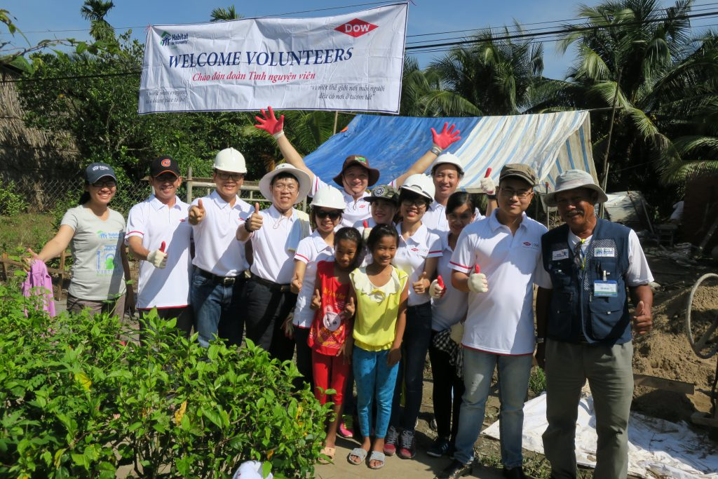 Dow's team to build a new house for family of Ms. Kieu