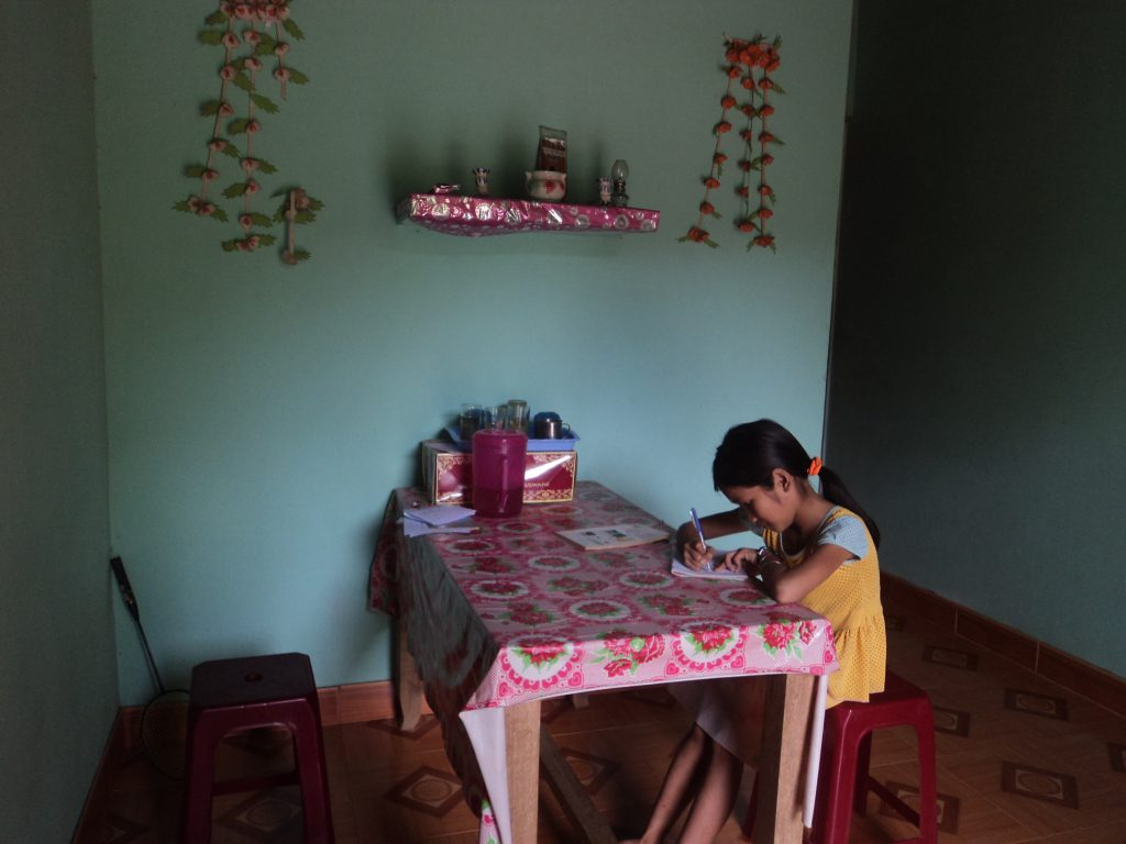 Figure 4 Kim Huyen is studying at home